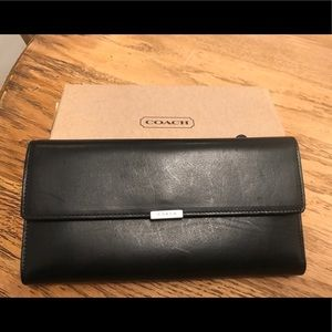 Coach women's leather wallet black